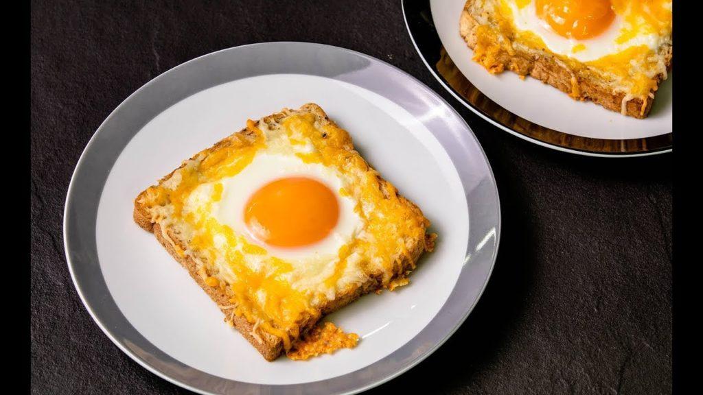 ขนมปังหน้าไข่ดาว