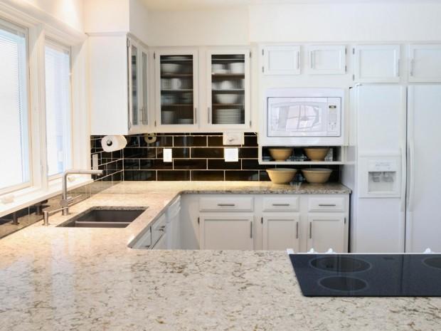 การทำความสะอาดเคาน์เตอร์ครัว-หินอ่อน