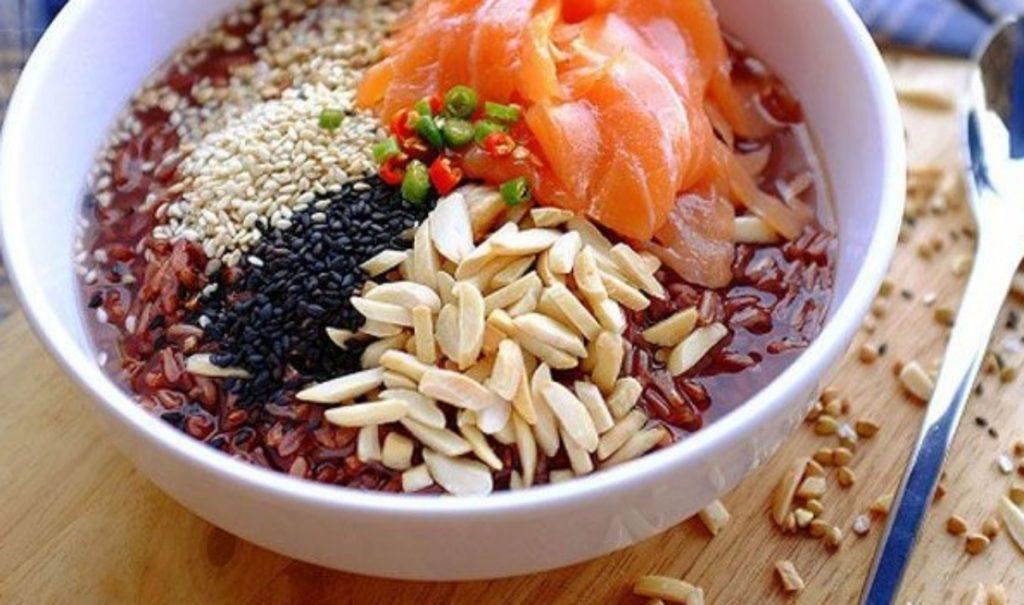 อาหารเพื่อสุขภาพ- ข้าวต้มข้าวมันปูหน้าธัญพืช