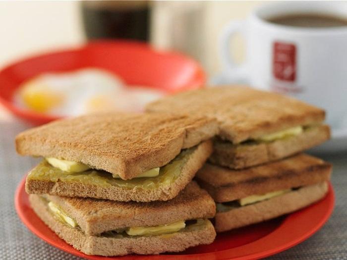 อาหารชาวสิงคโปร์ -คายาโทสต์ (Kaya Toast)