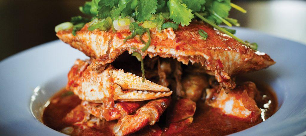 อาหารชาวสิงคโปร์-  ปูทะเลผัดซอสพริก (Chili Crab)